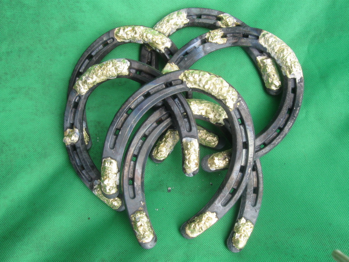 Borium horseshoe nails nail ftempo for Where to buy used horseshoes
